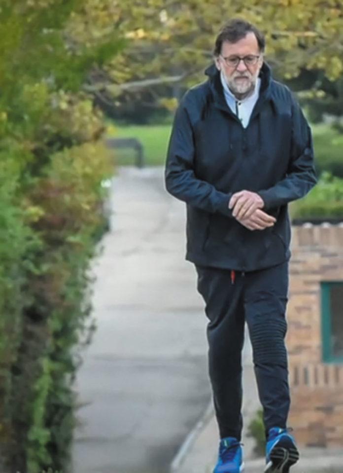 Former Prime Minister Rajoy ignores 'lockdown'.