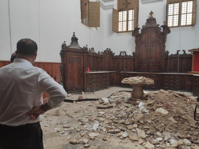 Las Santas Justa y Rufina church roof collapses