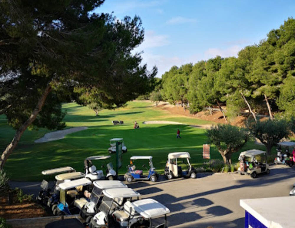 Campo de golf Villamartin: golfers targeted by thieves.
