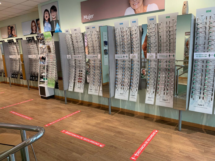 Specsavers Ópticas reopens with safety front of mind
