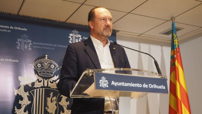 Mayor of Orihiela Emilio Bascunana