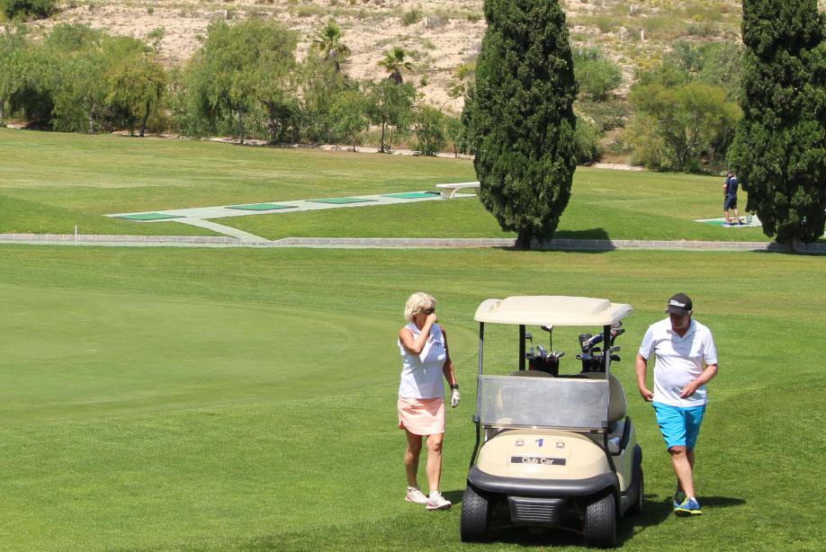 Golfers back on course on the Orihuela Costa