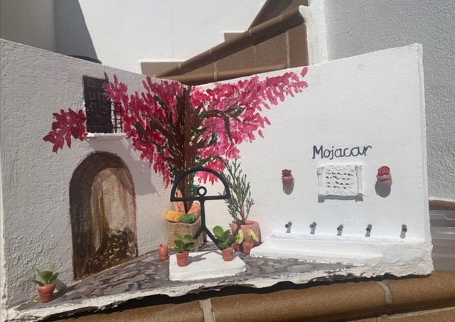 MOJÁCAR'S REY ALABEZ PUPILS CREATE THEIR OWN FLORAL INDALOS
