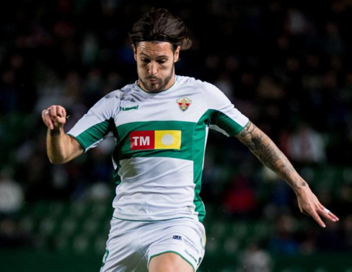 Leeds United favourites in race for Elche's Juan Cruz