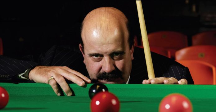 Villamartin based Willie Thorne rushed back into hospital by ambulance