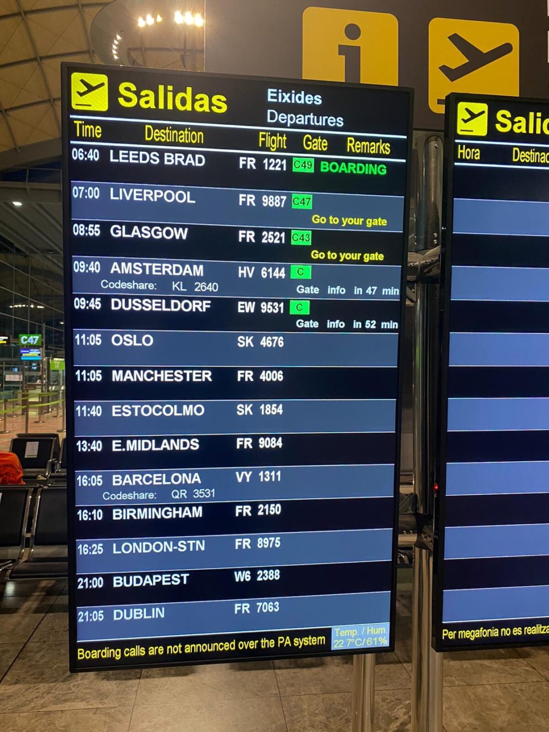 First Ryanair flight arrives at Alicante-Elche airport on Sunday