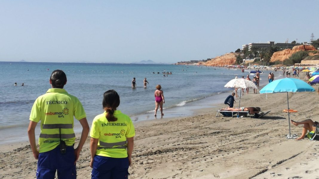 Lifeguard service resumes on Orihuela Costa Beaches