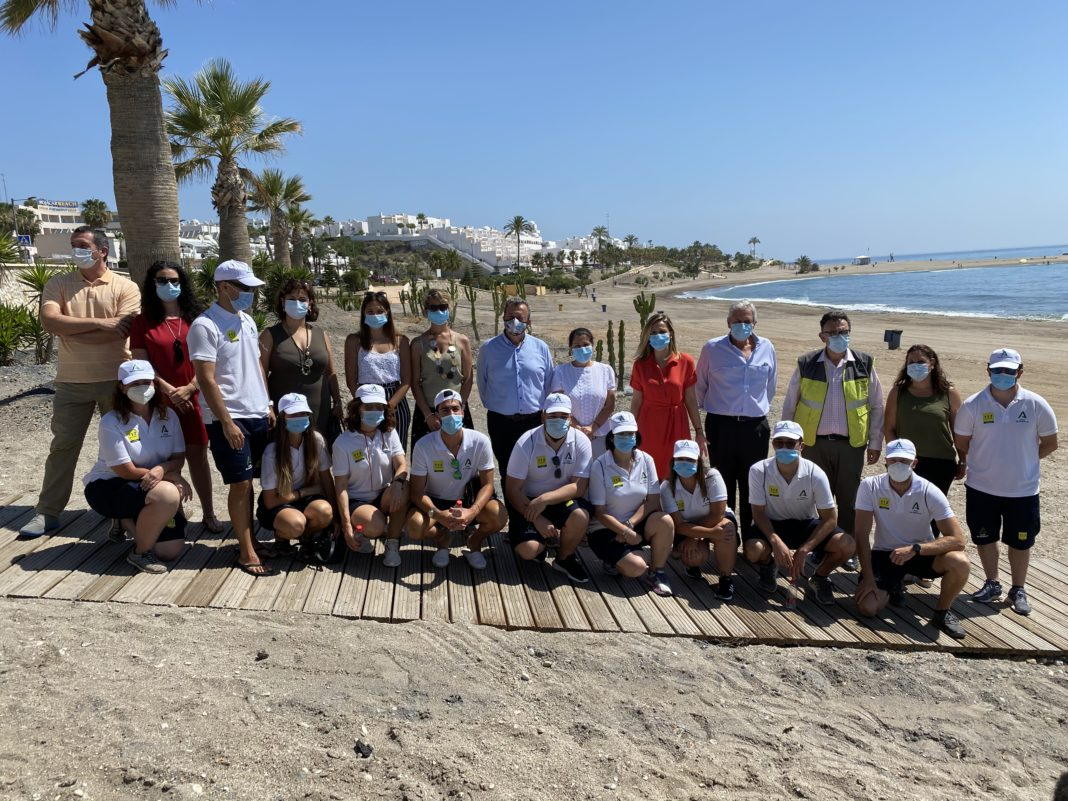 Mojácar's eighty new beach assistants join the council's special summer beach operation