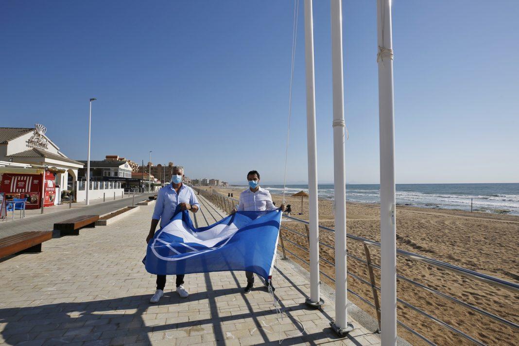 Blue Flag raised over La Mata Beach once again