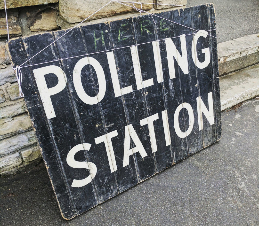 How Can British Expats Stay in Touch with British Politics? Source: Pixabay