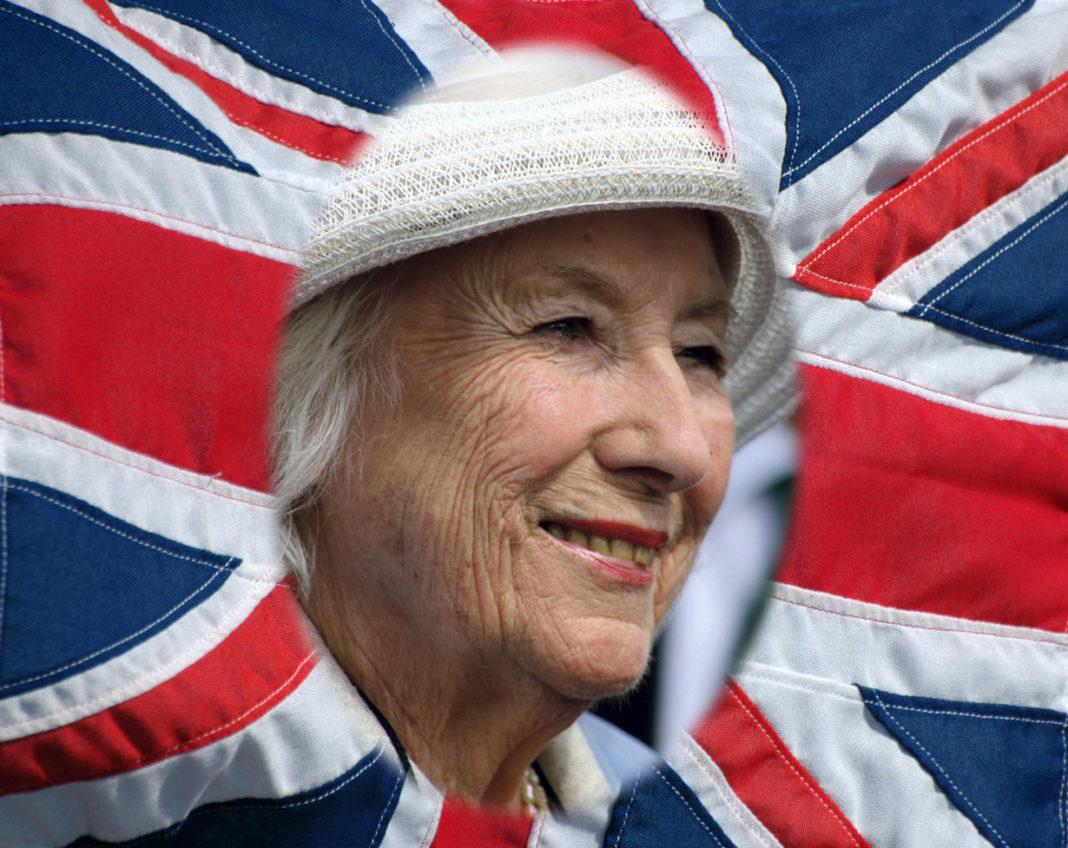Forces' Sweetheart, Dame Vera Lynn, dies aged 103