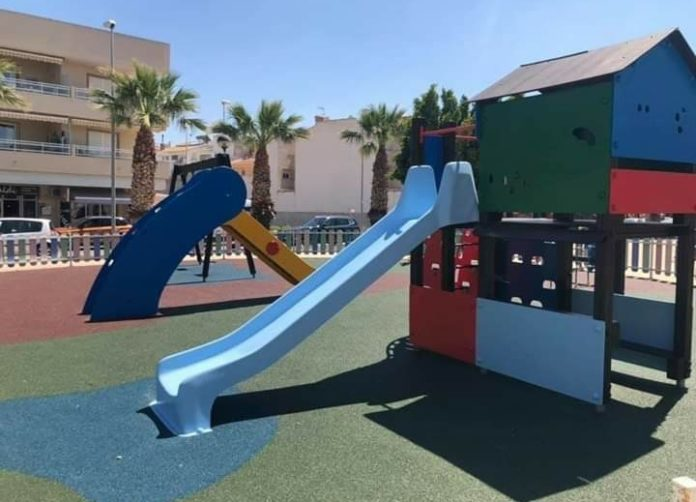 Playgrounds in Rojales shut.