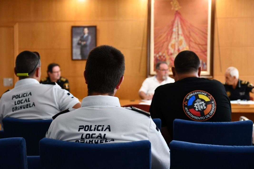 Orihuela Local Police sanctions 100 people and closes 3 venues