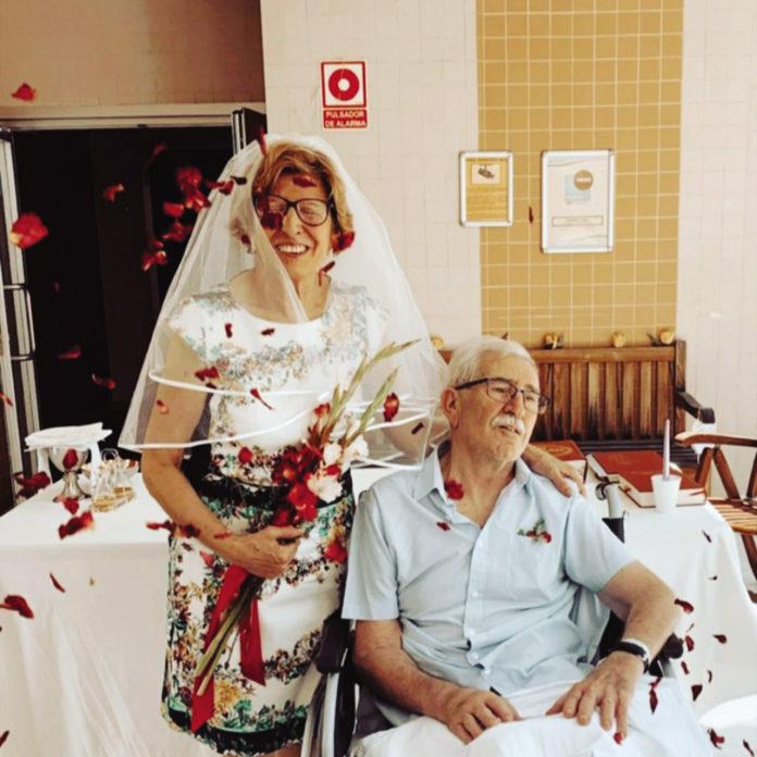 Couple celebrate Golden Wedding in Torrevieja Hospital