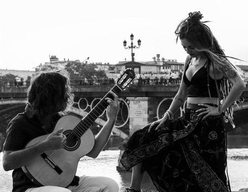 "The concert is the creation of Maria del Tango and ""EL Calimbero"""