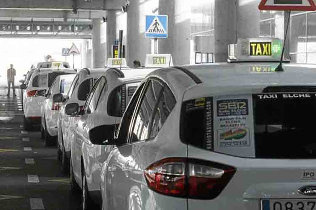 Taxi drivers in the province lose more than half of their income due to covid