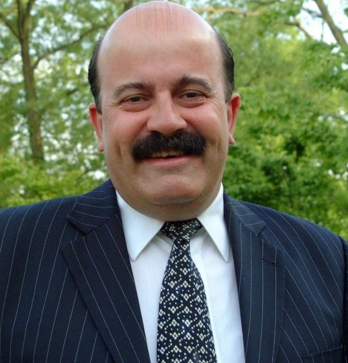 Willie Thorne was set to focus on bowls in Spain