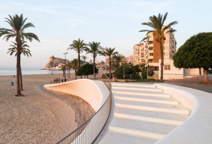 A 76-year-old man drowns in Benidorm