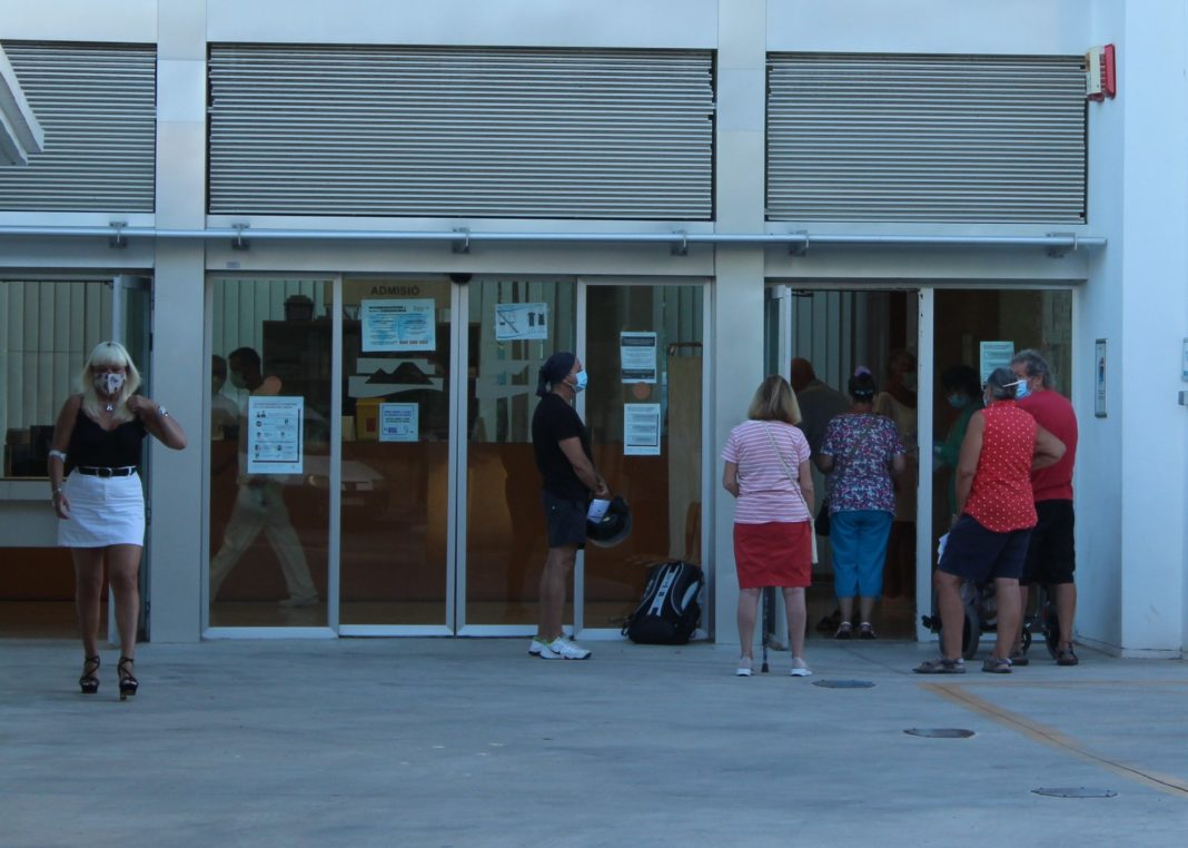 At the Cabo Roig centre queues can be avoided by reporting as the doors open.