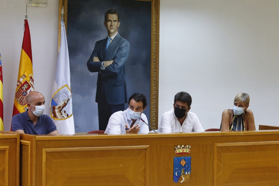 The meeting between the mayor of Torrevieja, Eduardo Dolón, and the president of the Provincial Council, Carlos Mazón