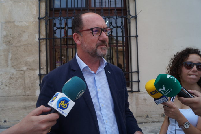 The mayor of Orihuela has reneged on his promises to coastal residents