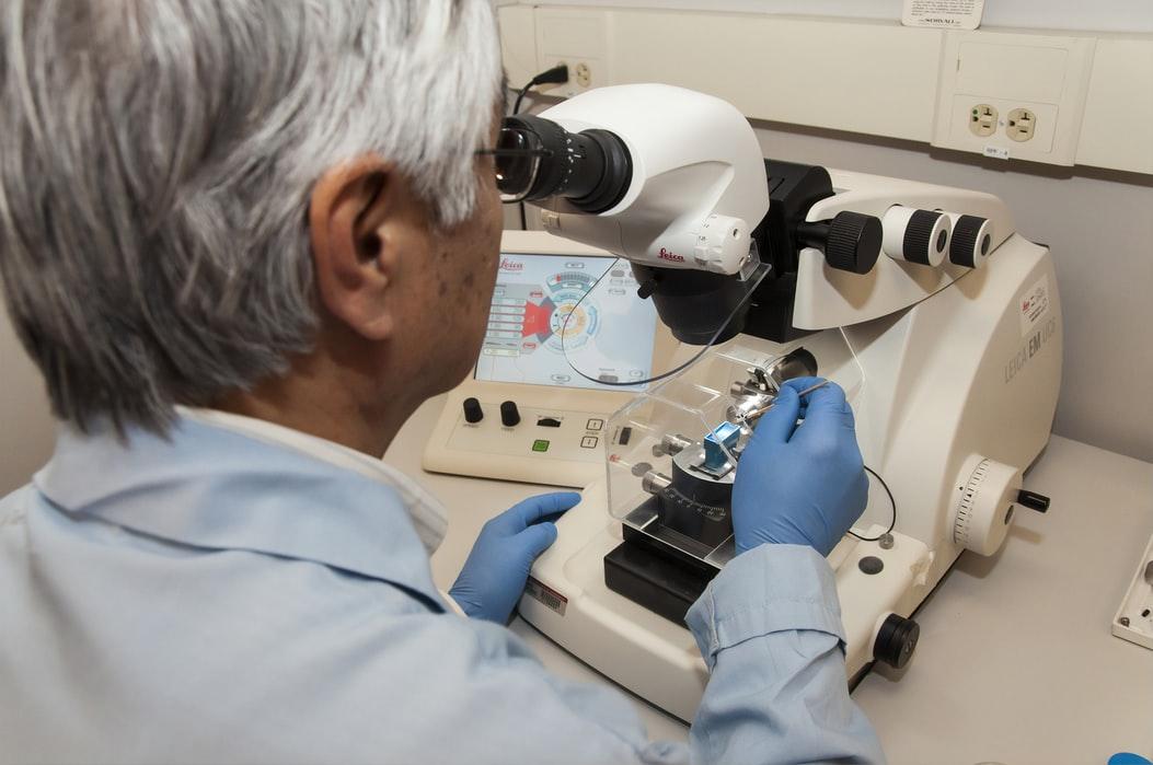 Oxford University resumes Covid vaccine testing
