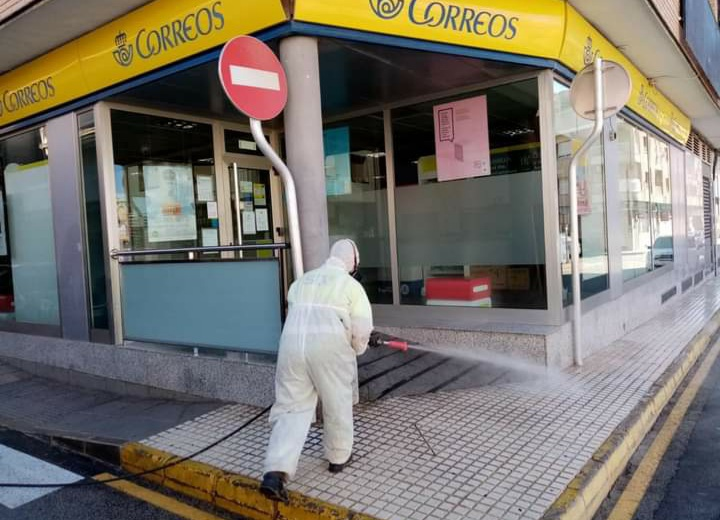 Disinfecting in Pilar de la Horadada.