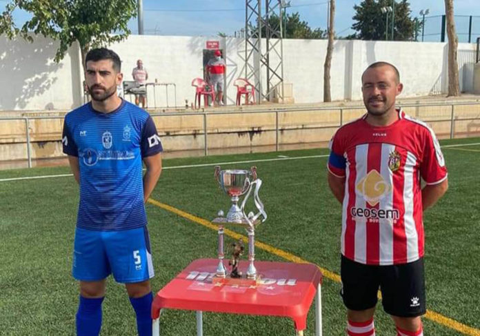 The Fred Griggs Trophy 2020: FB Redovan CF and CD Montesinos captains.