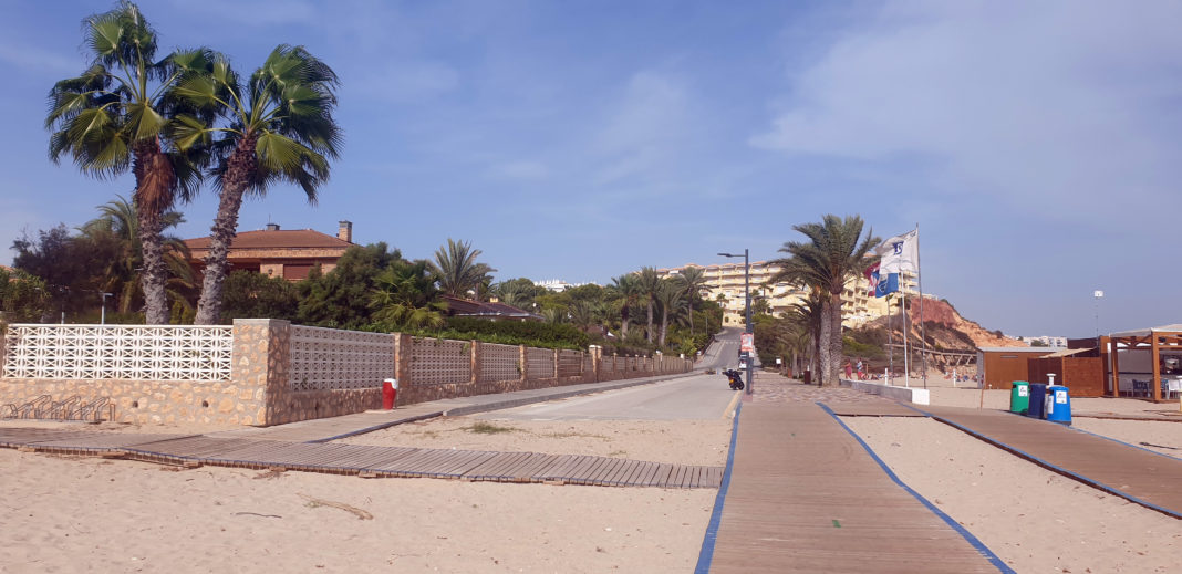 Orihuela takes a year to contract the work for Campoamor Beach