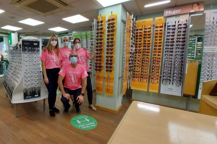 Benidorm optician supports breast cancer charity