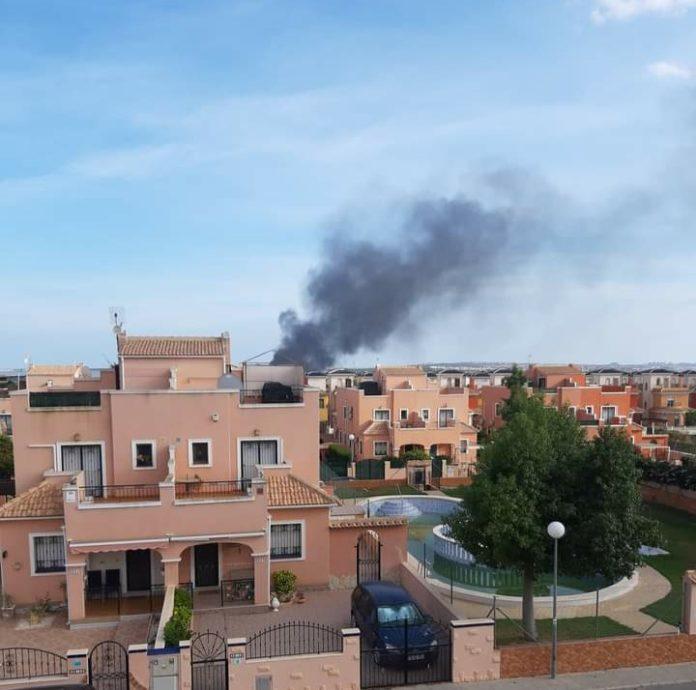 Black smoke carried by the winds onto la Herrada.