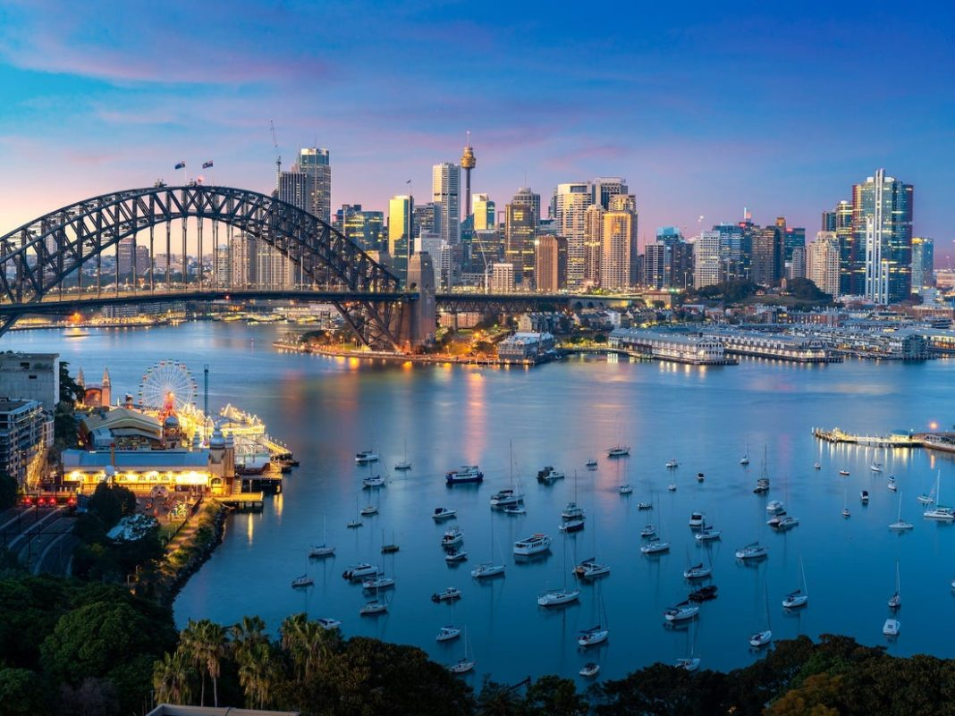 Useful Information before visiting Australia. The Law and Criminal Records in Australia