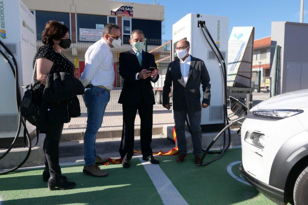 Iberdrola installs three electric charging points in San Fulgencio