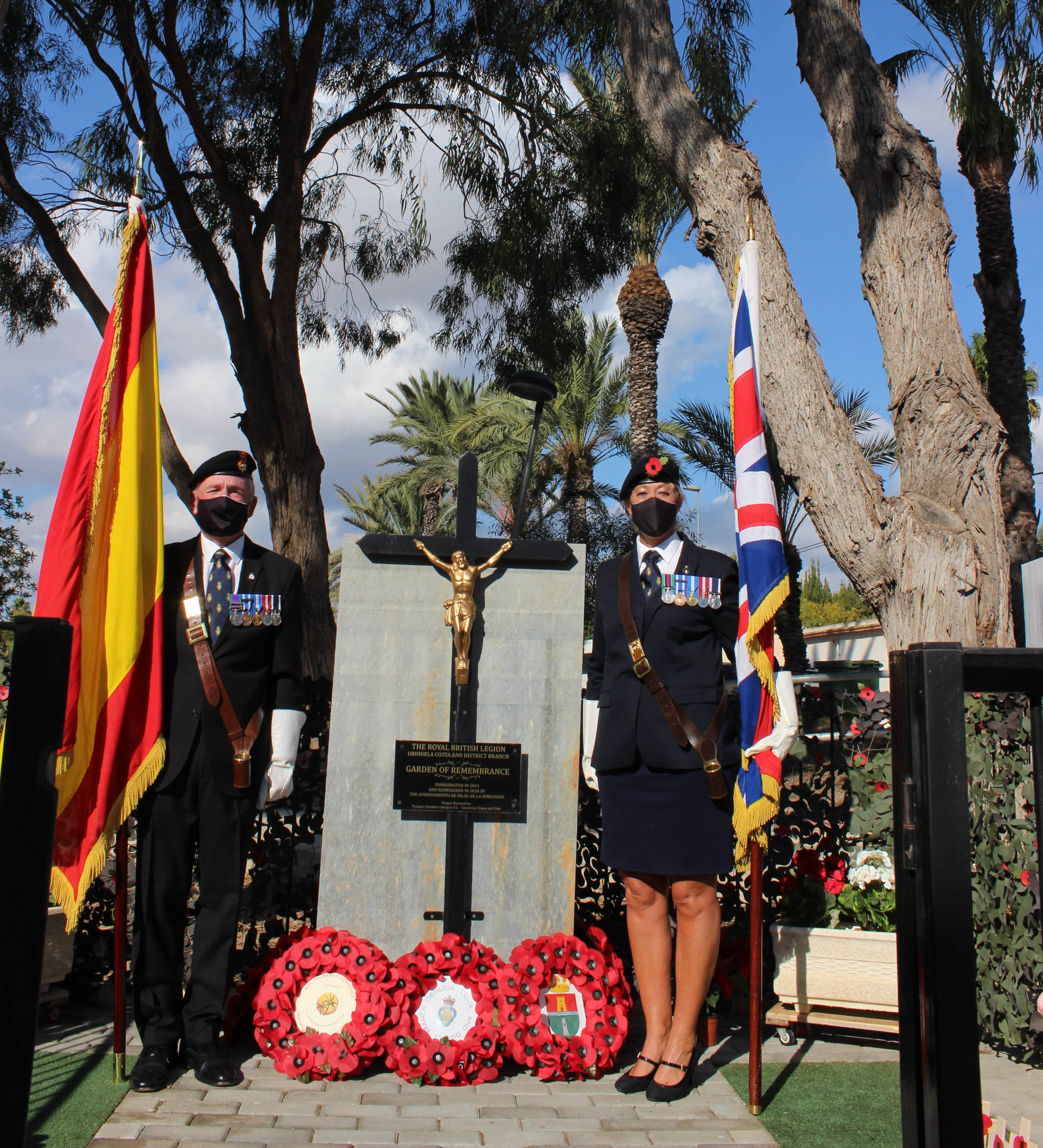 Orihuela Costa: A 'scaled down' service was held outdoors in Mil Palmeras