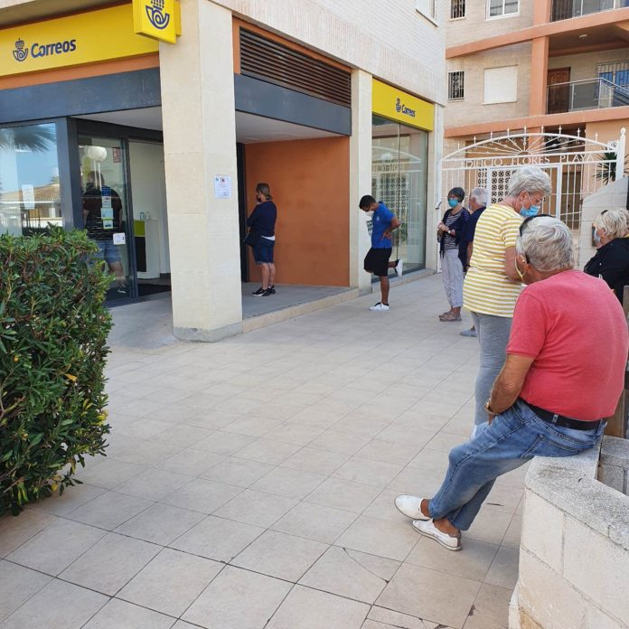 The Orihuela Costa Postal Service has hit a new low
