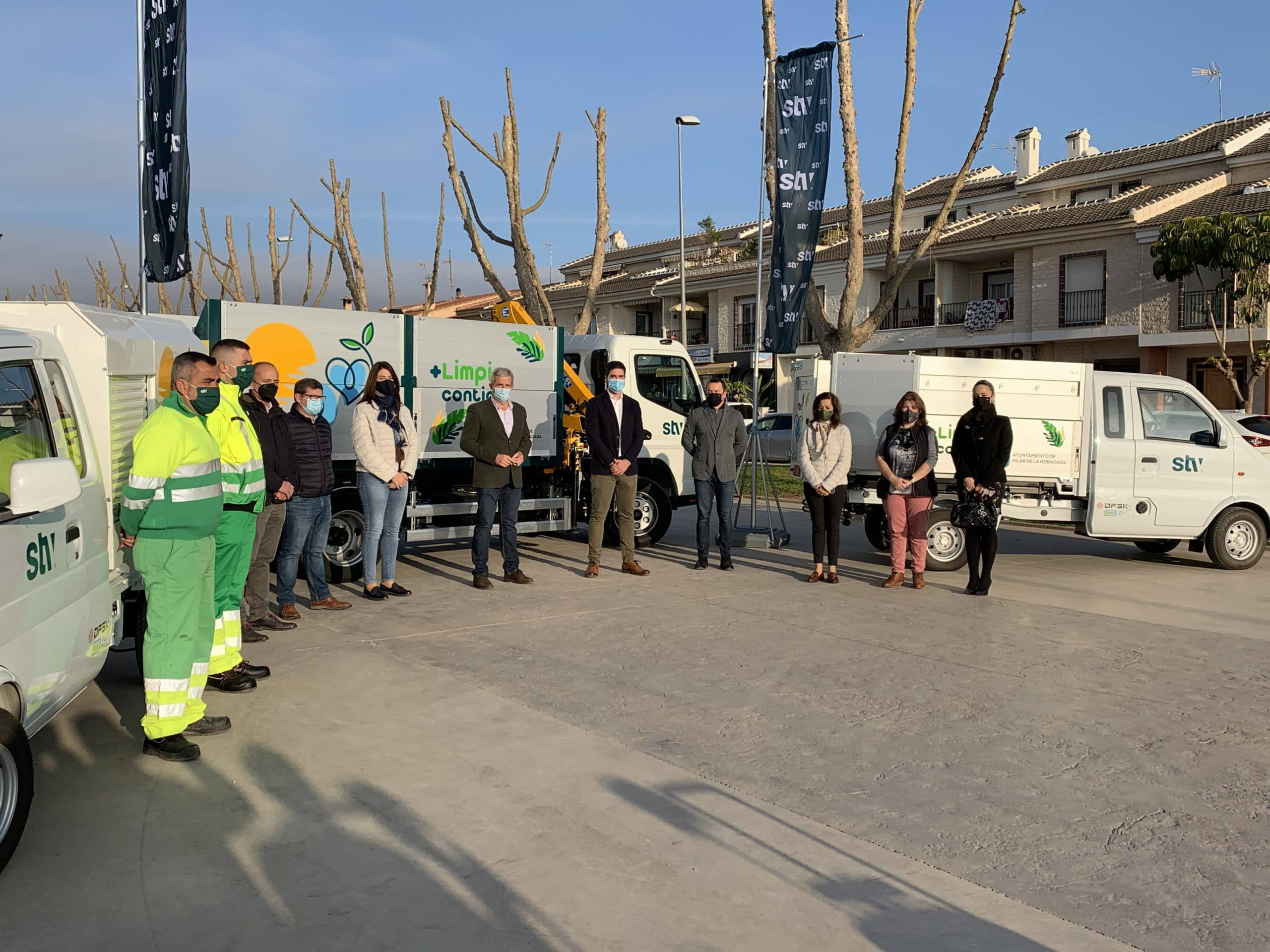 Three new waste collection vehicles for Horadada