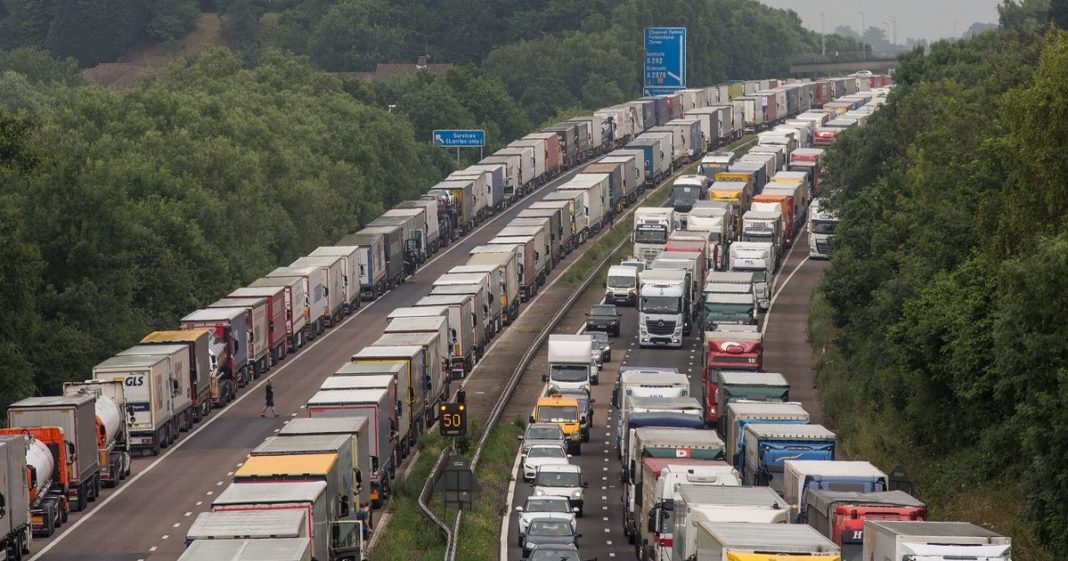 A thousand Murcian drivers, trapped in Kent after the French closure