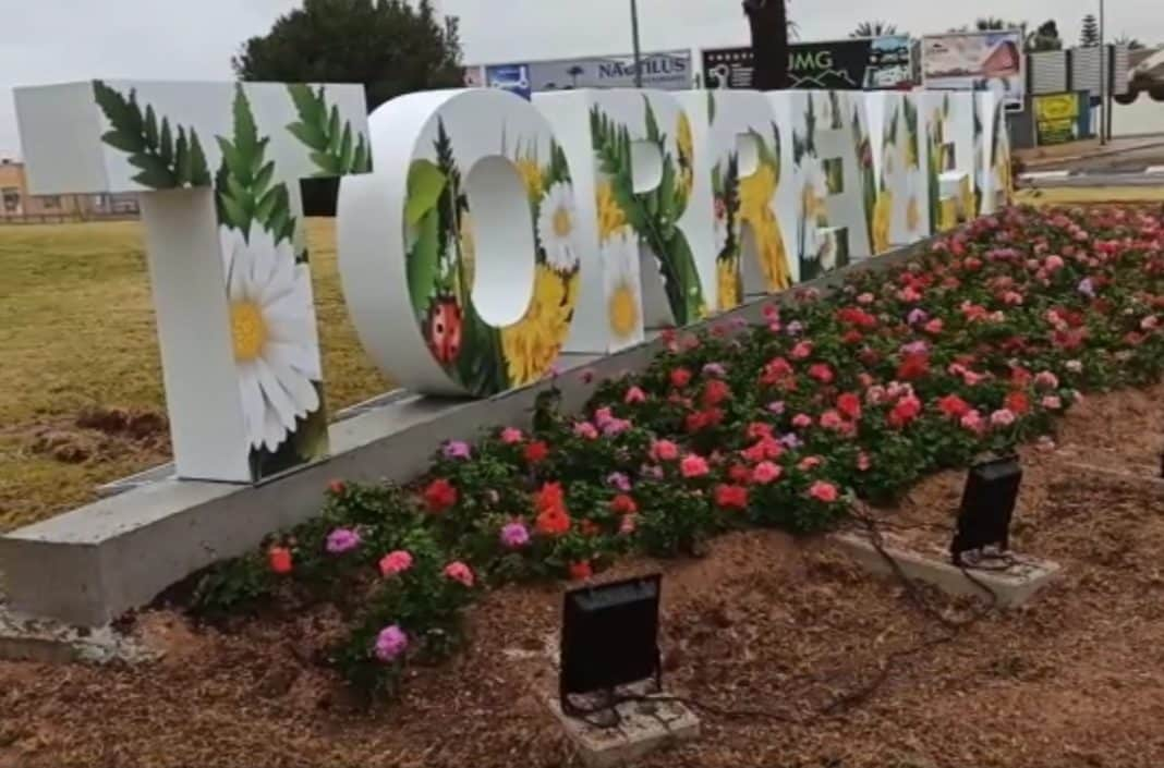 Torrevieja City Council instal 'welcome' Torrevieja signs