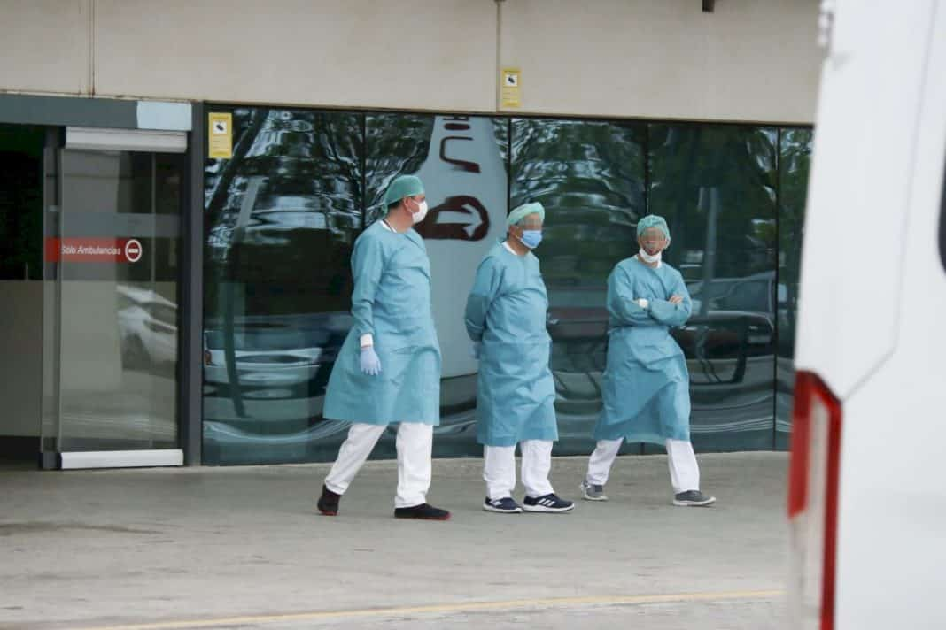 Infections in the Community decrease but hospitalisations continue to rise