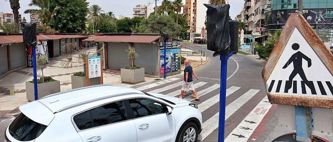 Torrevieja's New traffic lights still not connected