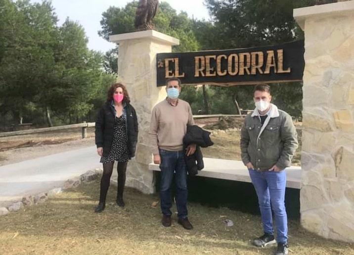 Ana Belèn, Los Montesinos Mayor Jose Butron and Jesus Martínez at El Recorral Rojales.