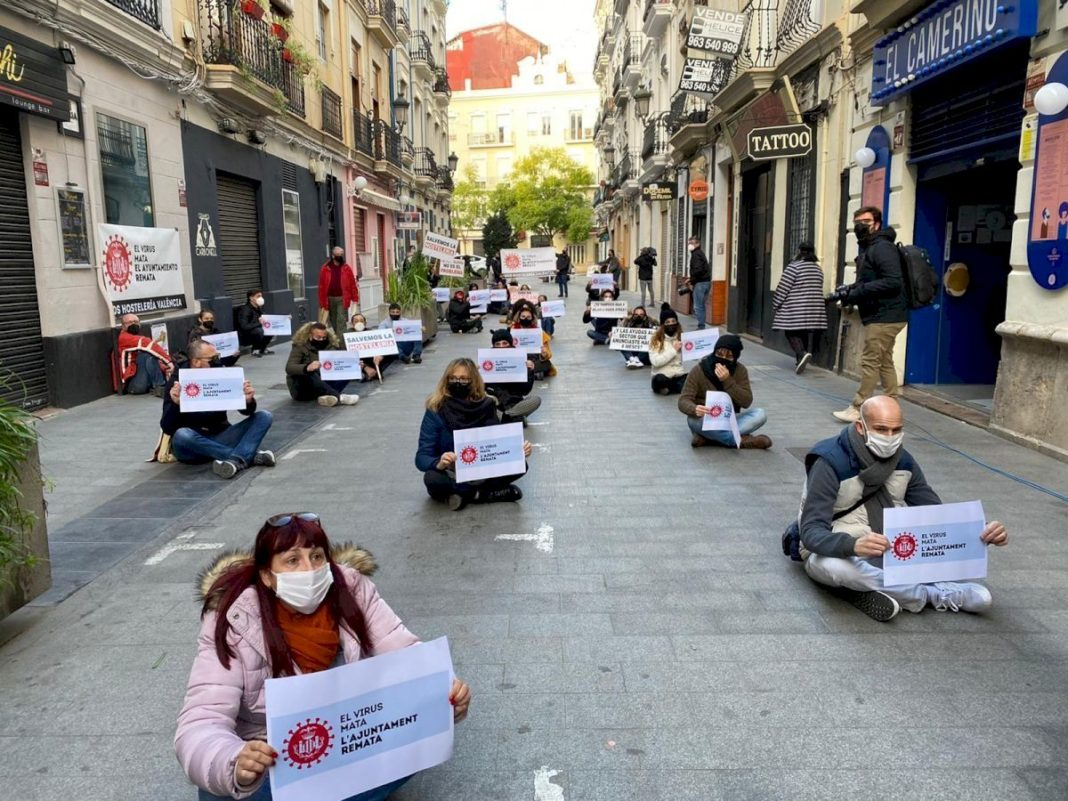 Over 200 hoteliers demonstrate in Alicante