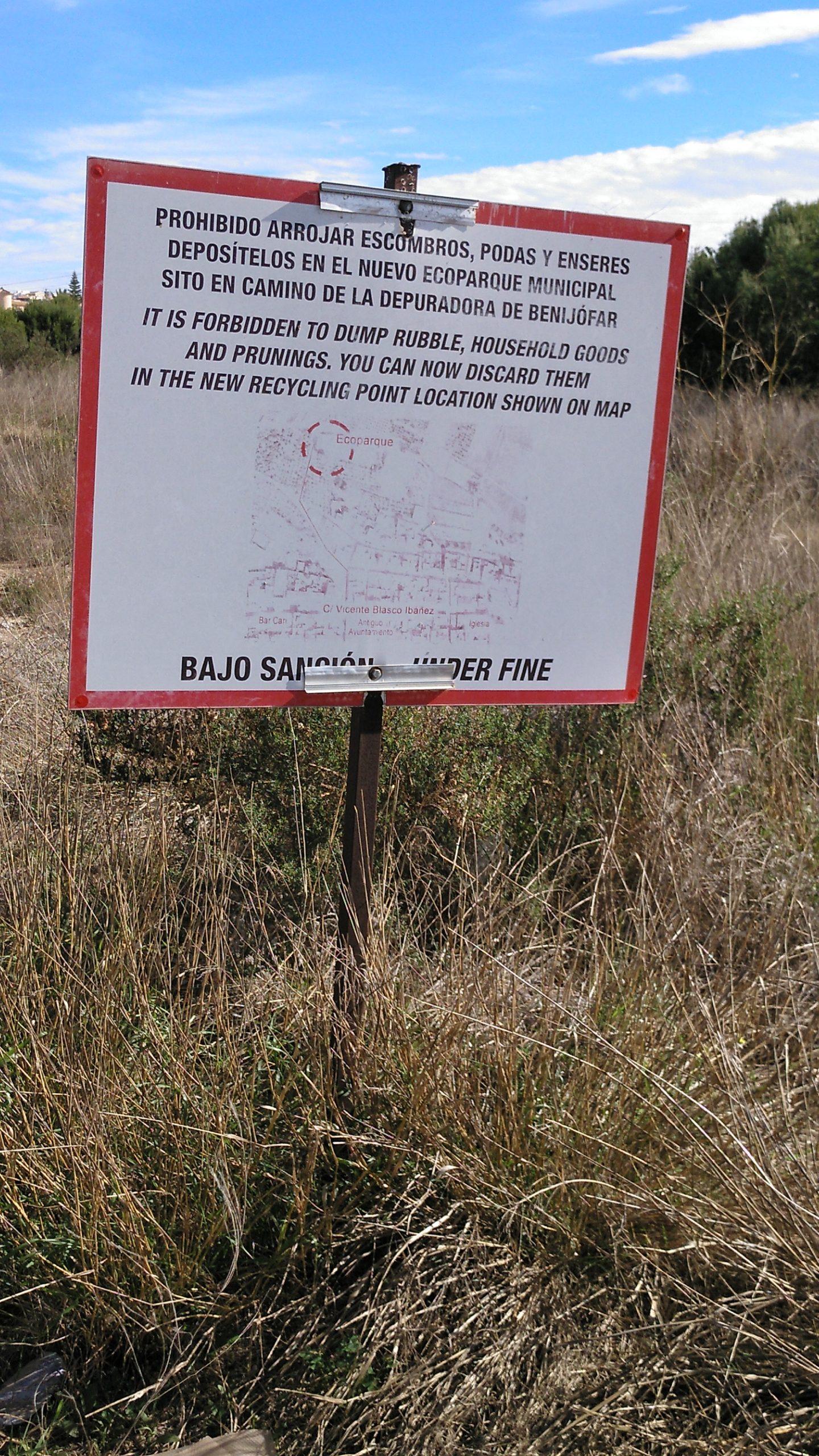 Illegal dumping of waste in Benijofar
