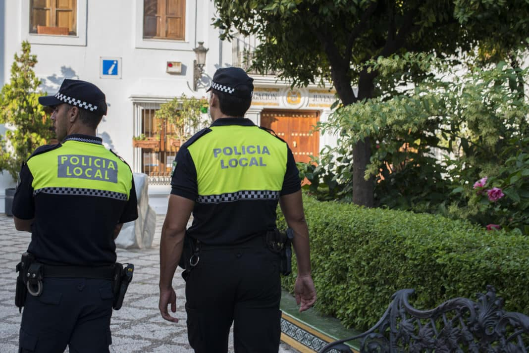 NET CLOSES IN on non-resident Police inspections