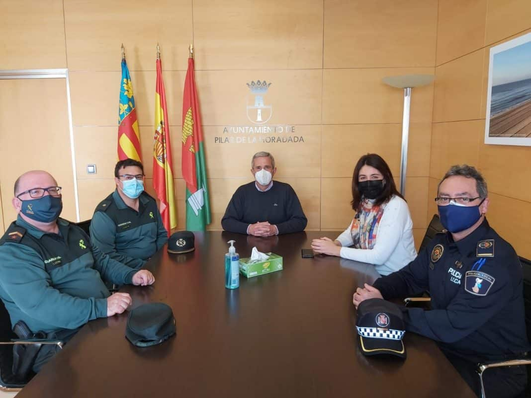New Guardia Commander meets Pilar's mayor
