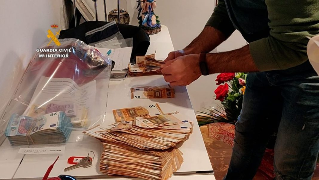 The police seized 60,000 euros in cash, jewels valued at 50,000 euros, two high-end vehicles and a large number of high-tech devices.