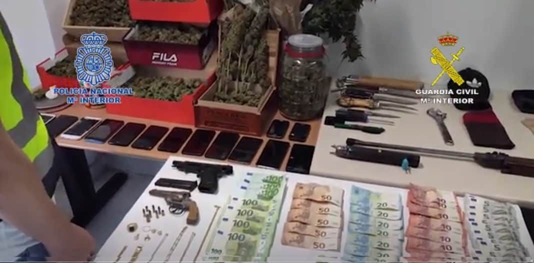 Orihuela swoop on armed gang in joint police operation
