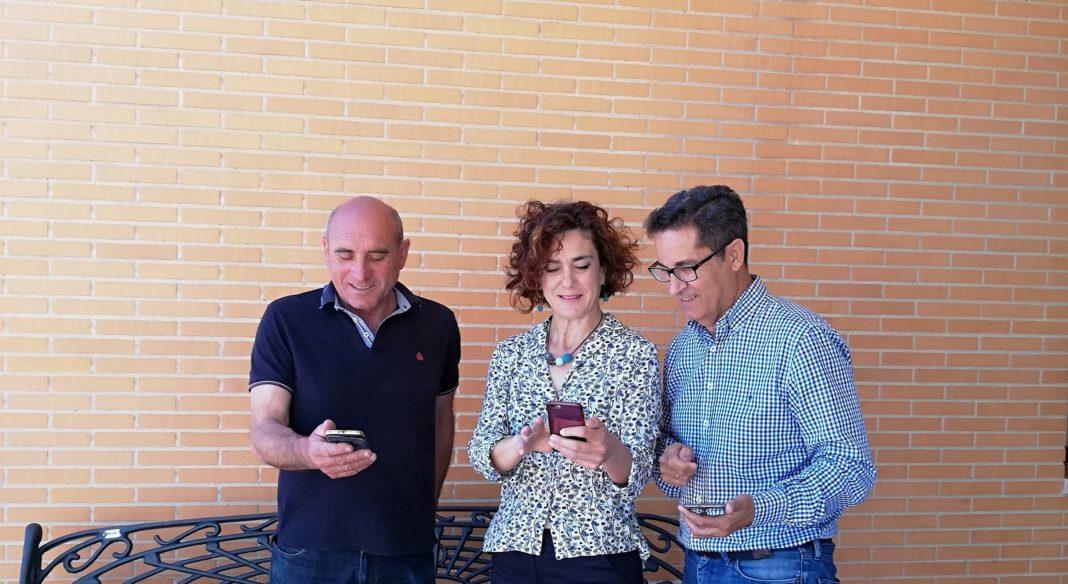 Joaquín García, Councilor for Public Services; Ana Belén Juárez, Councilor for Economic Development and Promotion and mayor José Manuel Butrón