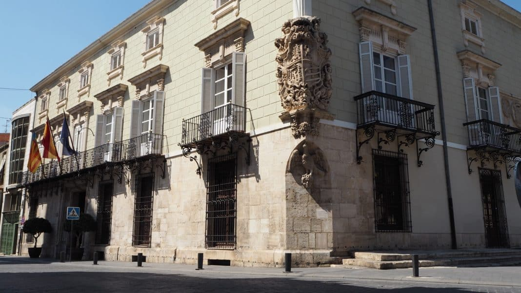 Orihuela council to spend 1 million euro on Town Hall repairs