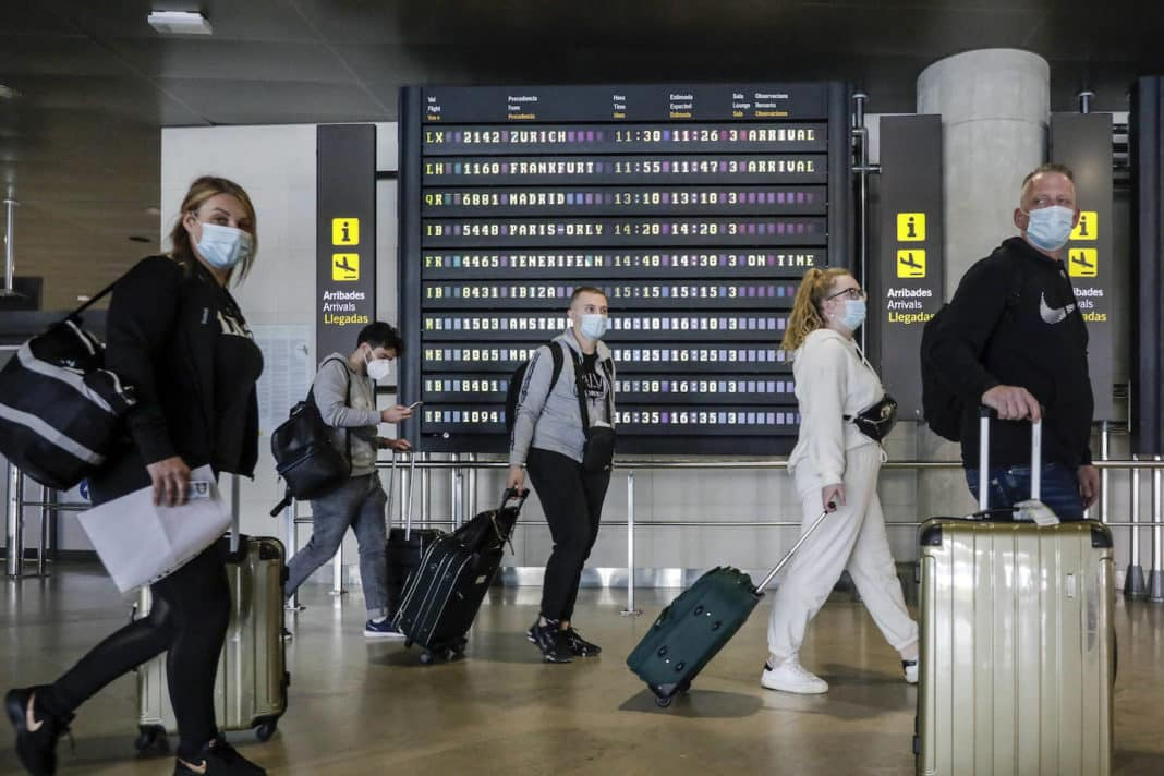 6,000 tourists processed at Alicante airport on the first day of border reopening